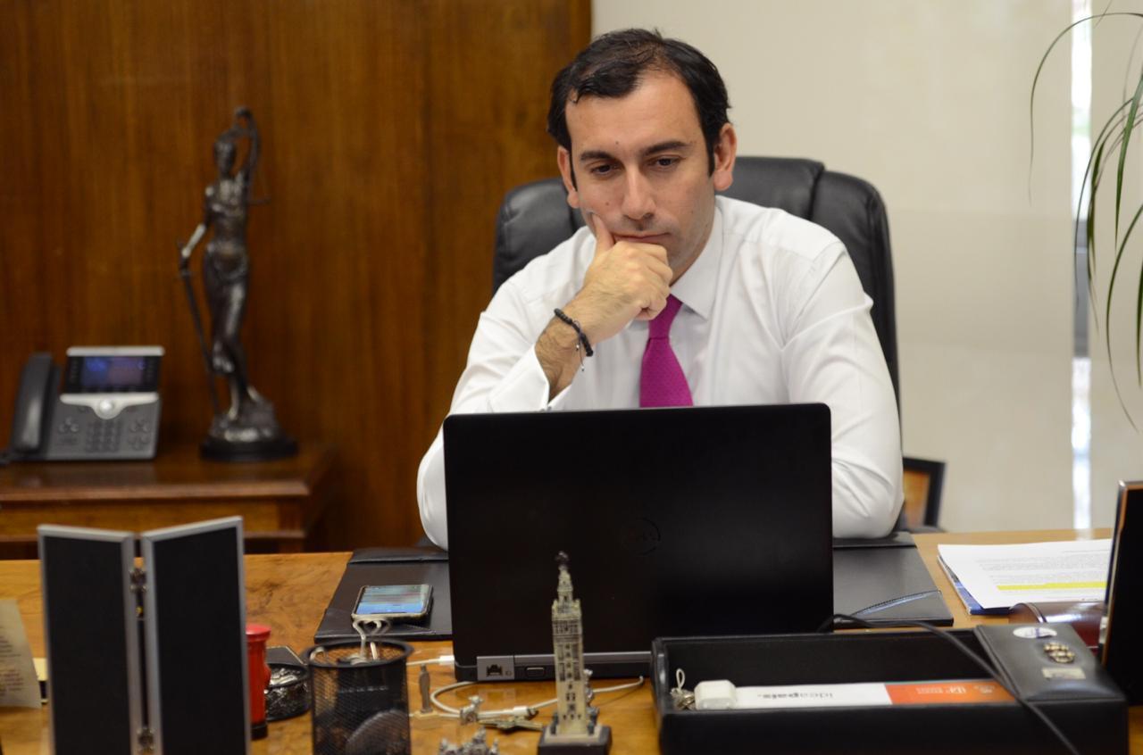 """Fernando Arab sobre trabajo a distancia: """"El empleador cuando pacta teletrabajo, tiene que analizar el espacio para trabajar"""""""