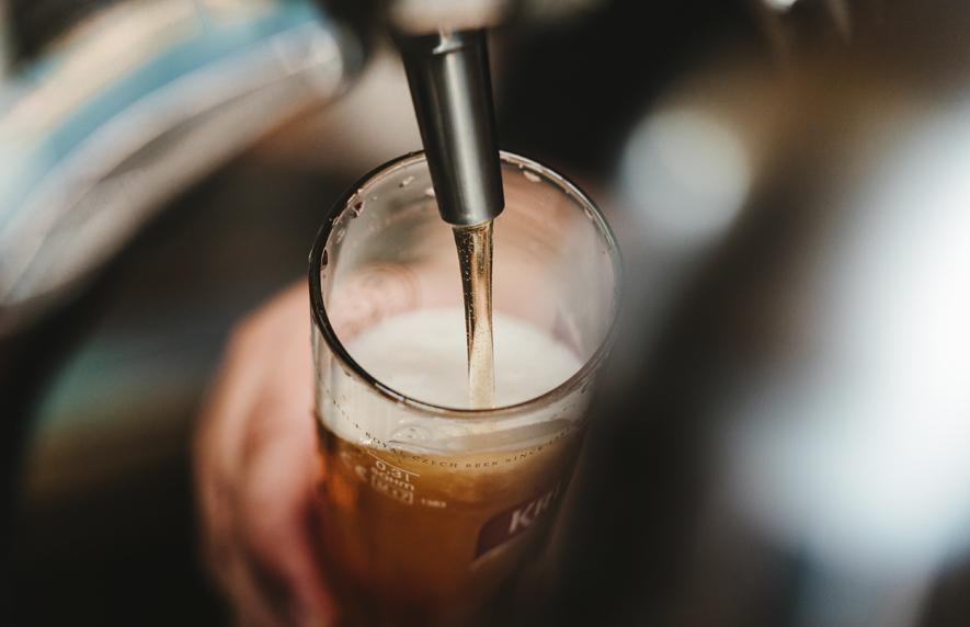 Dolorosa medida en Francia: Se botarán más de 10 millones de litros de cerveza por no consumo