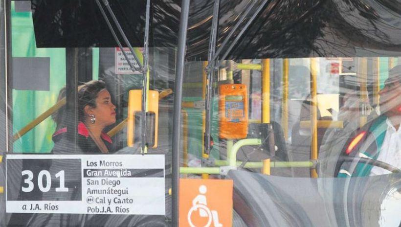 """Experto en transporte hace llamado para """"un acuerdo de un ingreso escalonado al trabajo"""" al fin de la cuarentena"""