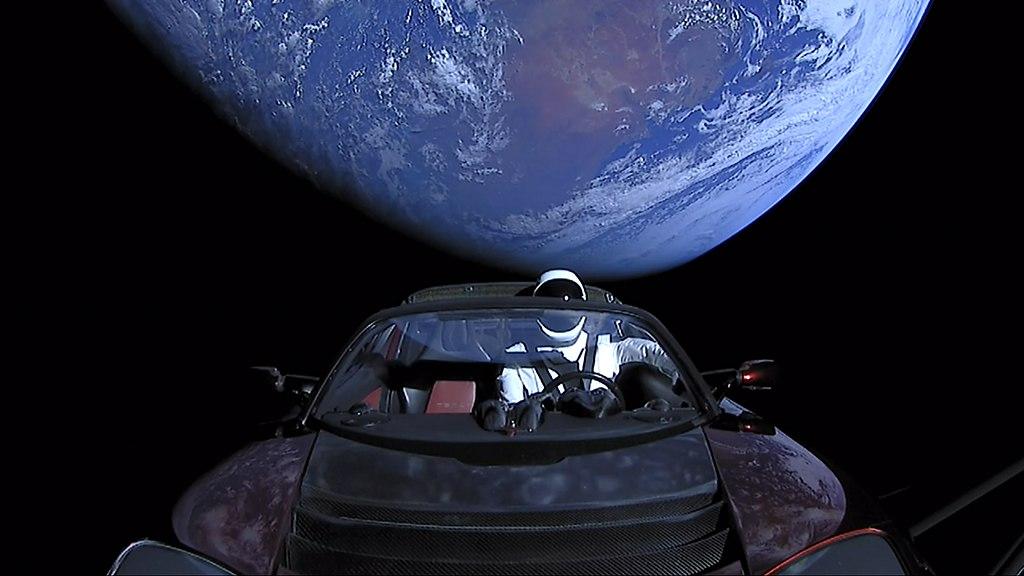¿Qué fue del auto conducido por un maniquí enviado al espacio por Elon Musk en 2018?