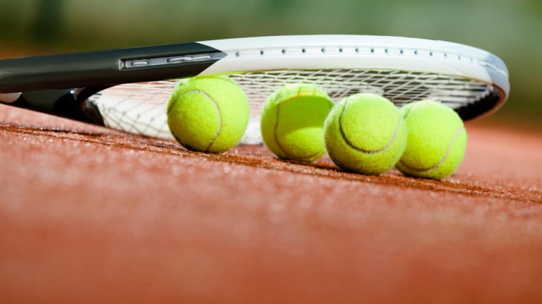 La increíble historia del tenista que lleva 26 años jugando por el mundo sin ganar ni un solo partido