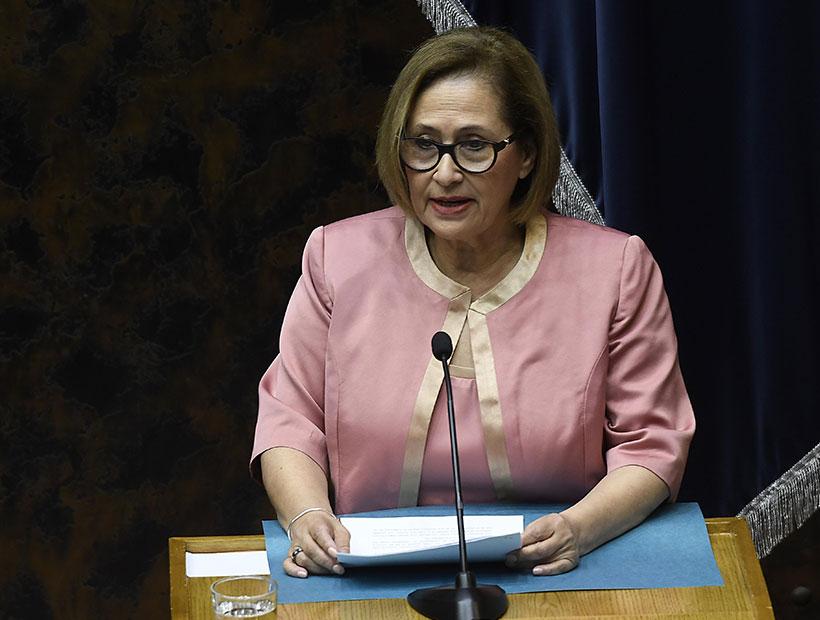 """Adriana Muñoz quiere que el Senado apoye retiro del 10% de las AFP: """"Una medida necesaria y esperada por millones de chilenos"""""""