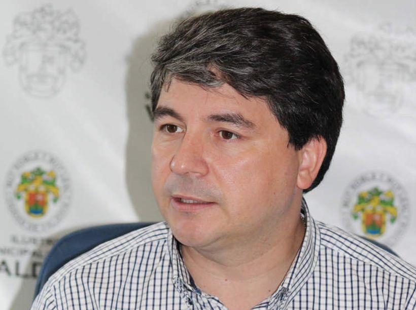 """Alcalde de Valdivia critica el desconfinamiento: """"No era el momento para abrir (…) Eso lo dirá la historia"""""""