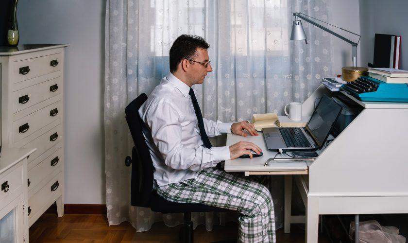 Portal Pyme nos dio tips para no estresarnos con las videollamadas y consejos para volver al trabajo presencial