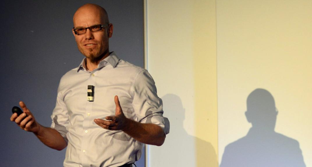 """Martin Hilbert, experto en Big Data: """"Google y Facebook no tienen otro ingreso que no sea manipularte"""""""
