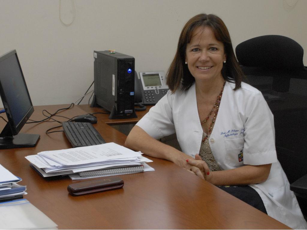 La doctora María Elena Santolaya explica cómo funcionará en Chile el ensayo clínico de la vacuna de Oxford