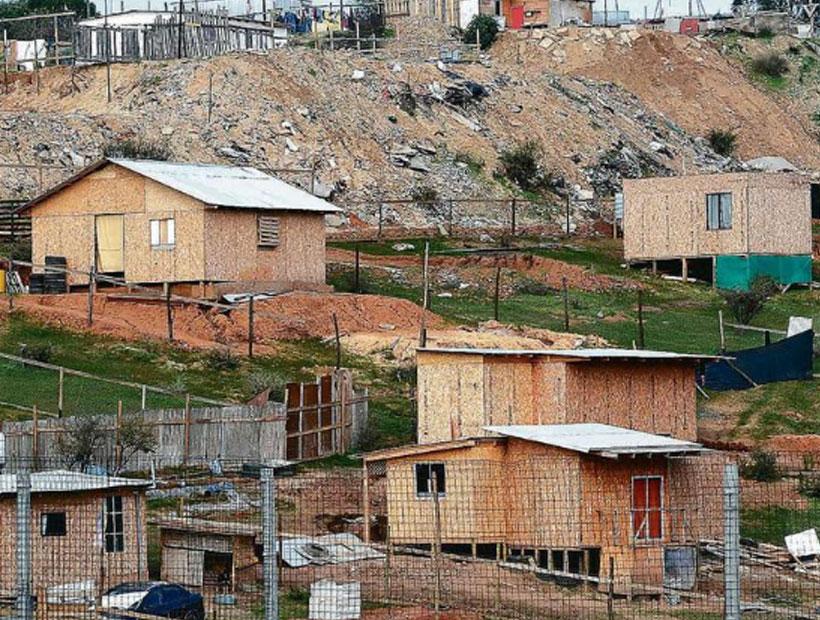 """Sebastián Bowen de TECHO-Chile: """"la crisis sanitaria nos encontró en medio de una crisis al acceso de la vivienda"""""""