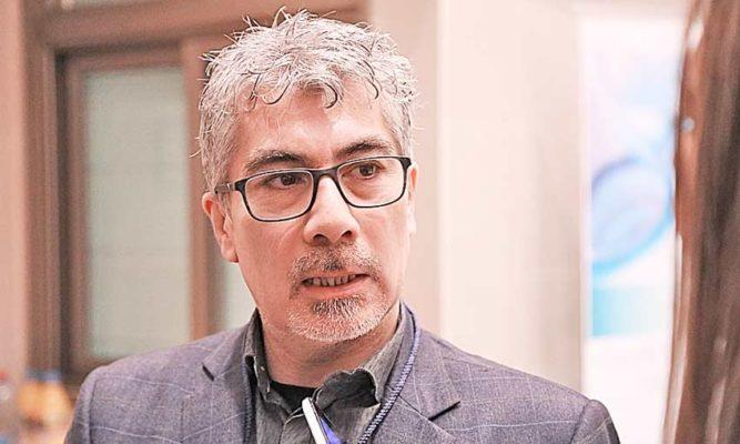 """Doctor del Hospital de Magallanes valora haber sido vacunado: """"es un aliciente para seguir en esta dura batalla"""""""