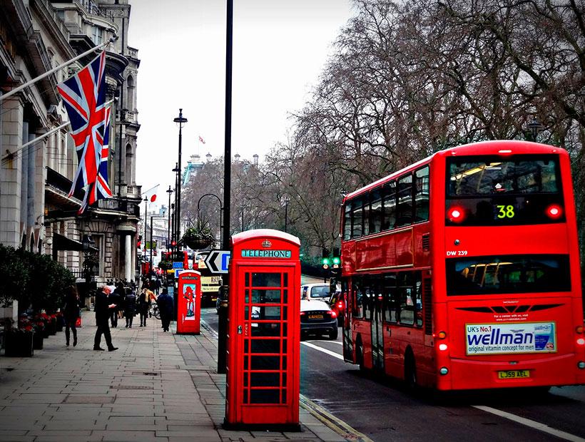 ¿Cómo será el nuevo confinamiento en el Reino Unido? Lo analizamos junto a la corresponsal Ivana Bargues