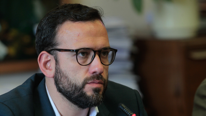 """Diputado Pablo Vidal defiende Reforma Constitucional para condenar el CAE: """"Queremos obligarlo a hacer la pega"""""""