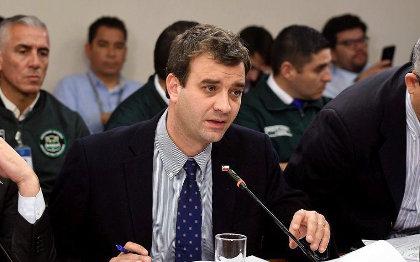 Ministro Ossa descarta que resolución de la Corte Suprema para celebrar misas abra la puerta para otro tipo de reuniones