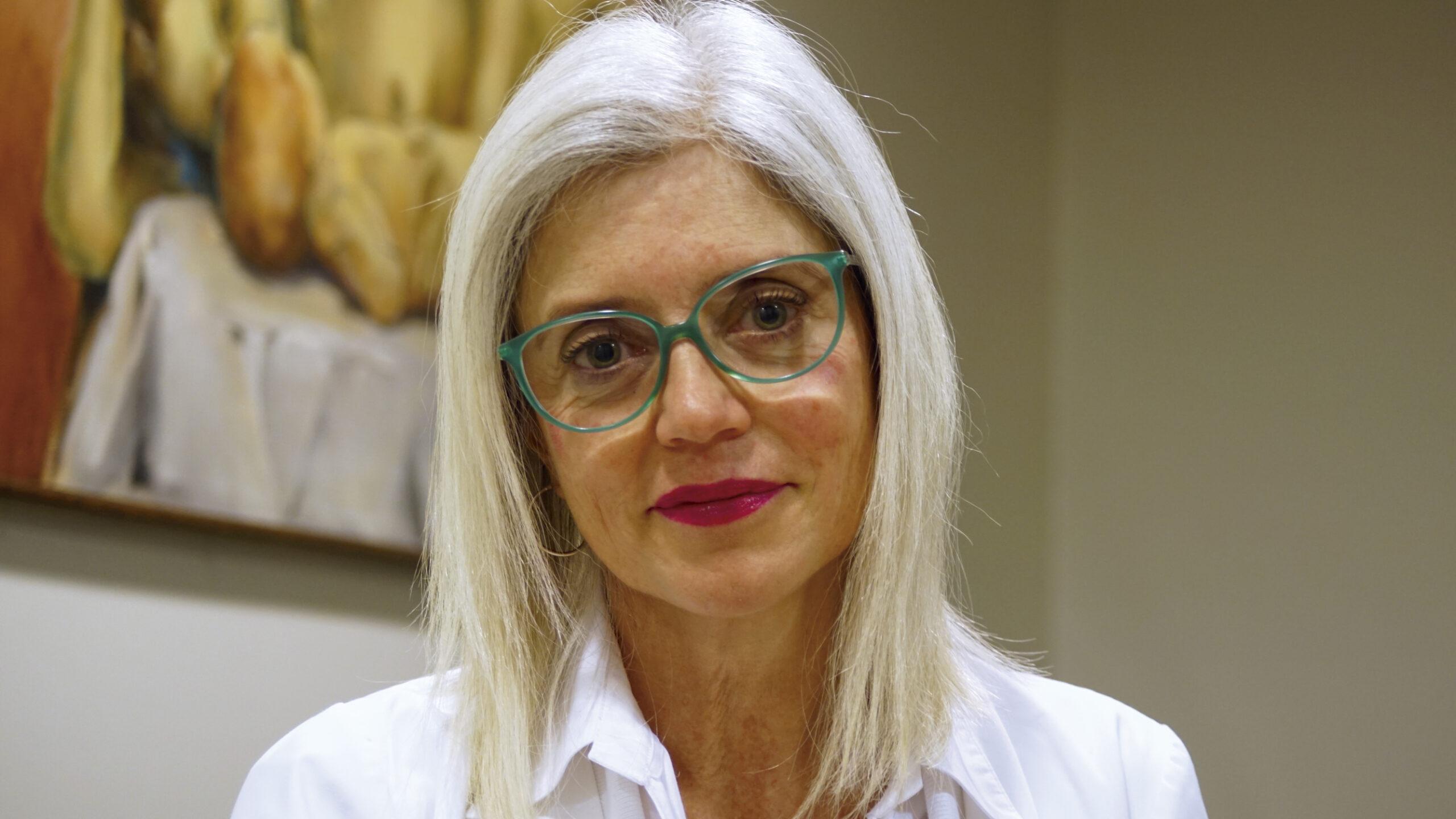 """Andrea Huneeus nos explicó cómo hablar de sexo con los adolescentes: """"Educar no es dar permiso, es proteger"""""""