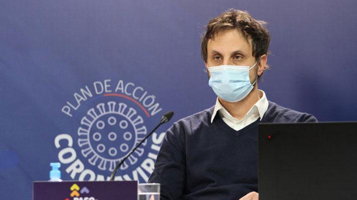 """Dr. Araos advierte mutación del Covid-19: """"uno podría incluso predecir que en algún momento va a aparecer una variante chilena"""""""
