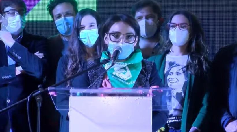 "Karina Oliva por paso a segunda vuelta de Gobernadores RM: ""hay que salir a conquistar a la gente que se quedó en la casa"""