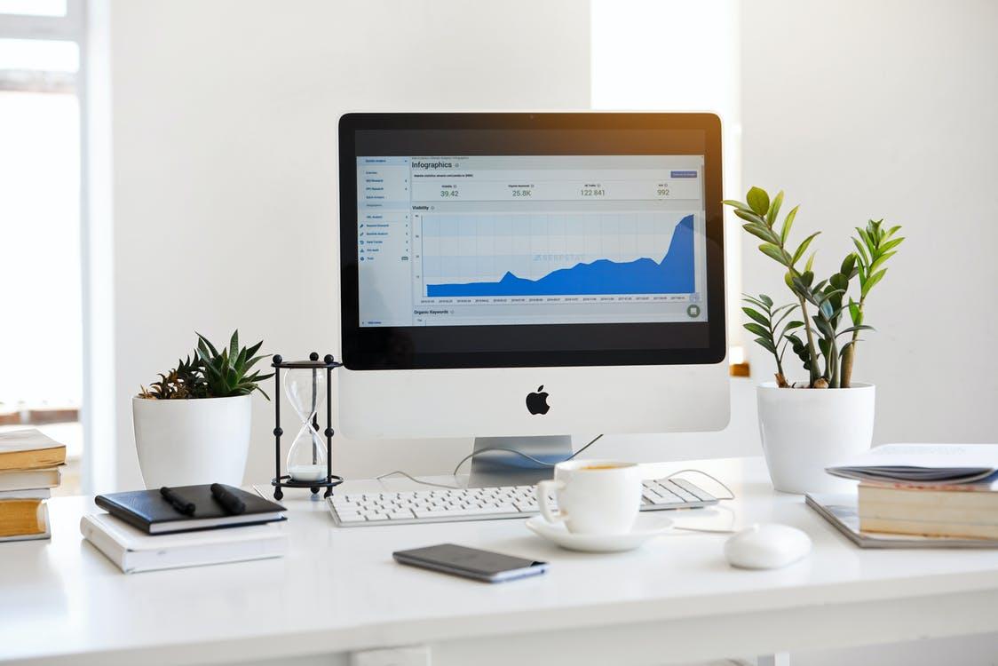 Universo Tecnológico Cap 8: Cómo lograr que tu pyme o emprendimiento se transforme digitalmente (y genere nuevos negocios)