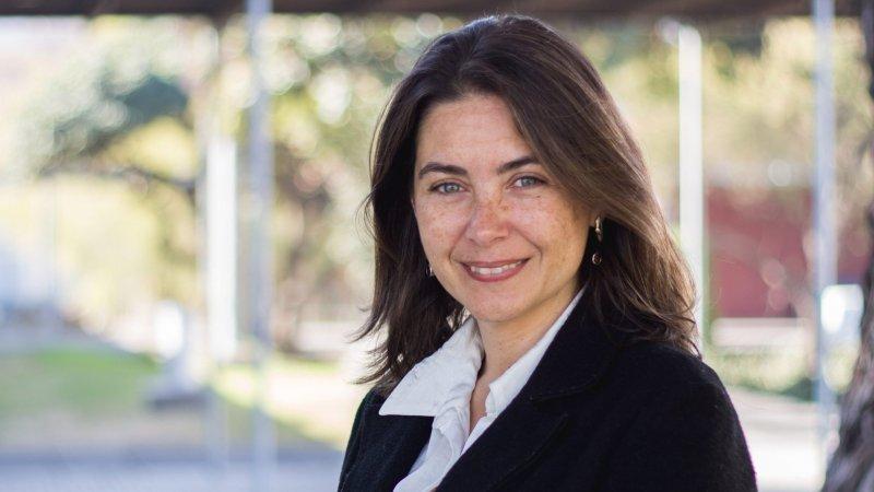 """Lucia Dammert: """"En Perú más que preguntarse cómo será el Gobierno de Castillo, se preguntan cuánto durará"""""""