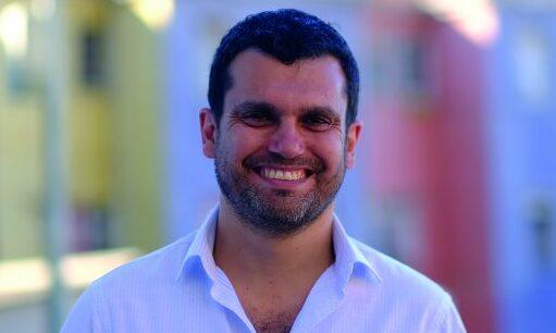 """Constituyente Jaime Bassa: """"Creo que tenemos buenas posibilidades con Elisa Loncón para ser elegidos en la mesa"""""""