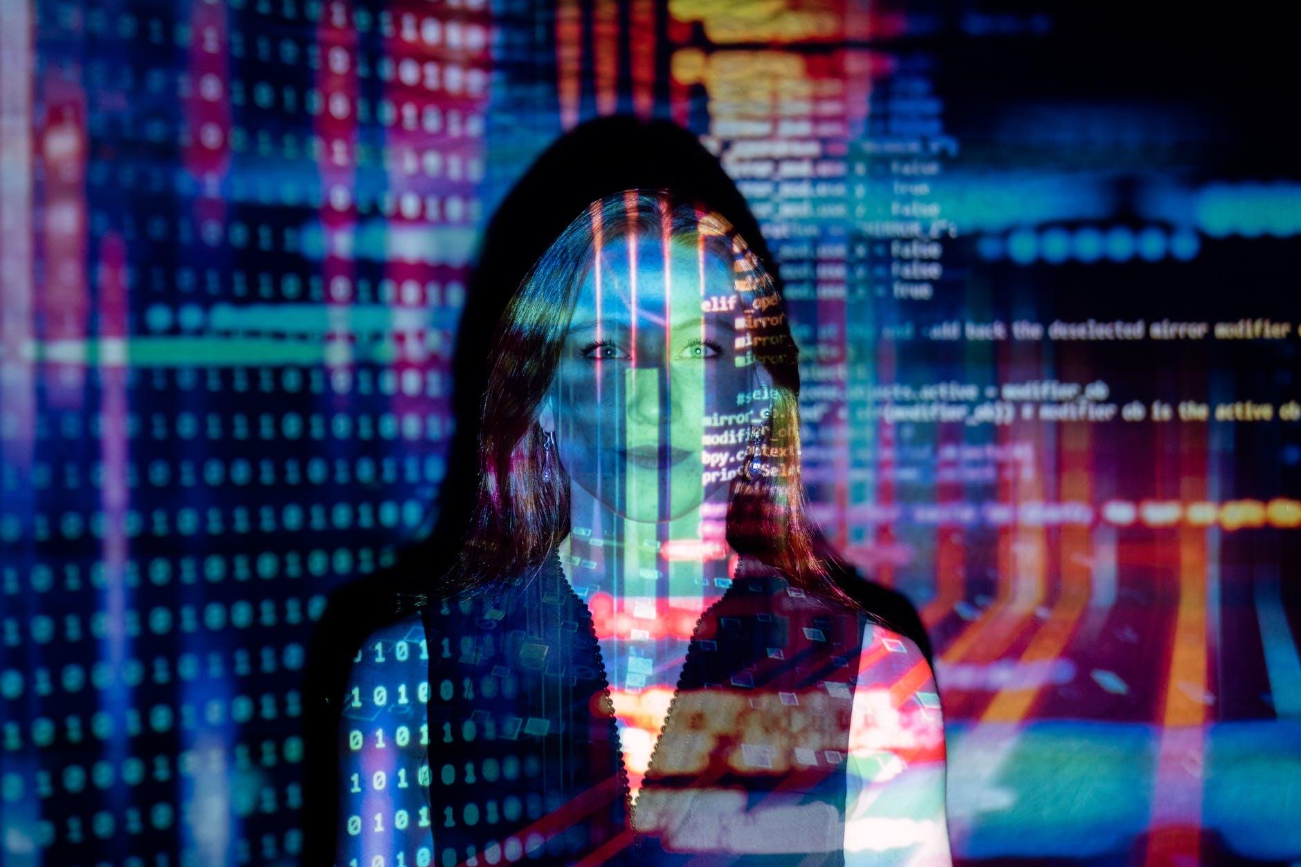 Universo Tecnológico Cap 10: Cómo actuar frente a una amenaza virtual y prevenir ataques en la web