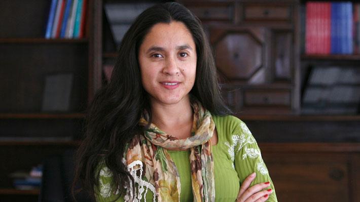 Alcaldesa Daniela Peñaloza da detalles de cómo las Condes combate la crisis hídrica