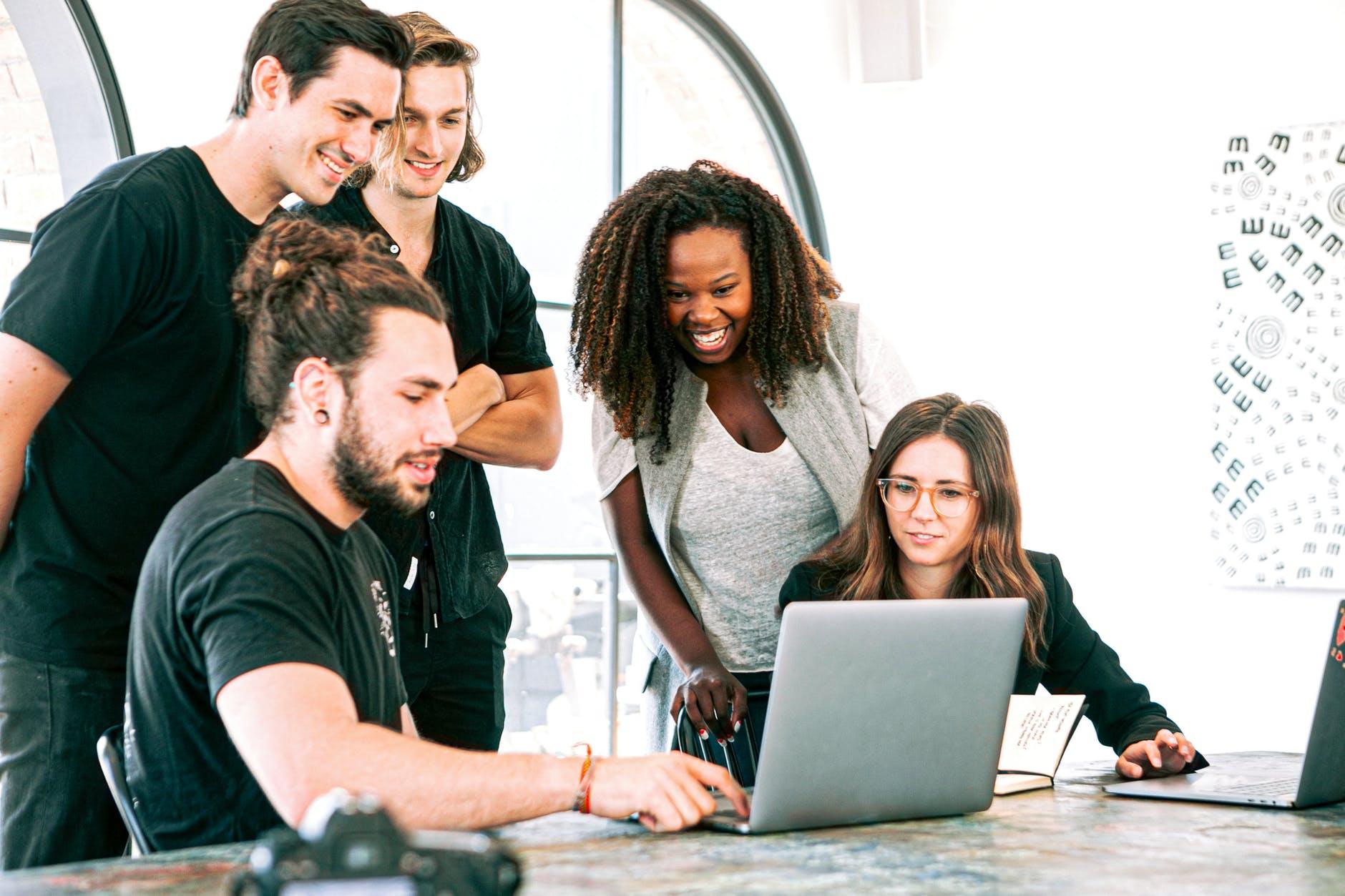 Universo Tecnológico Cap. 20: Los beneficios de apoyar tu negocio en la tecnología colaborativa