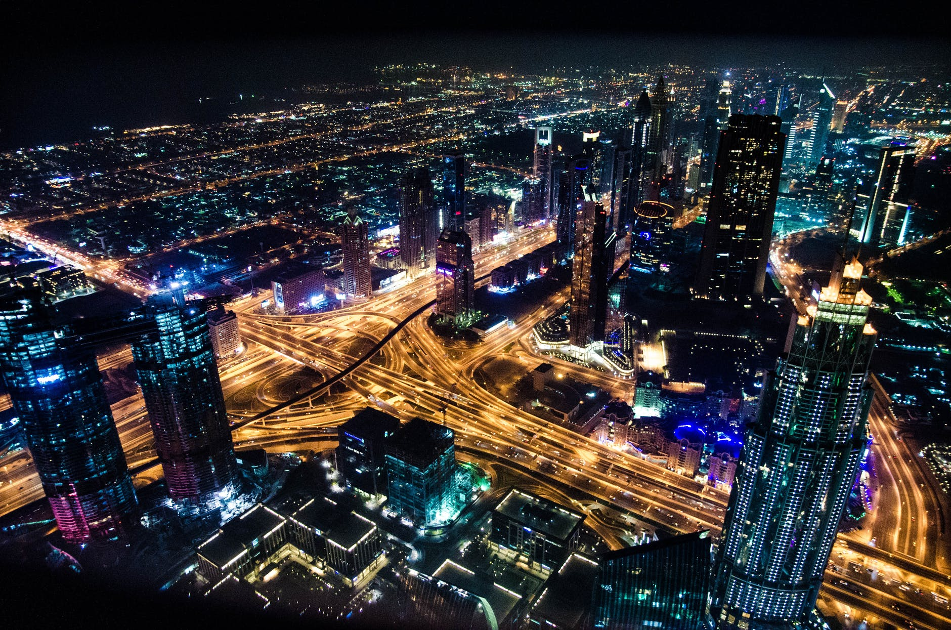 Universo Tecnológico Cap 21: Al 2050 el 85% de la población vivirá en urbes. ¿Cómo lograr tener ciudades inteligentes?