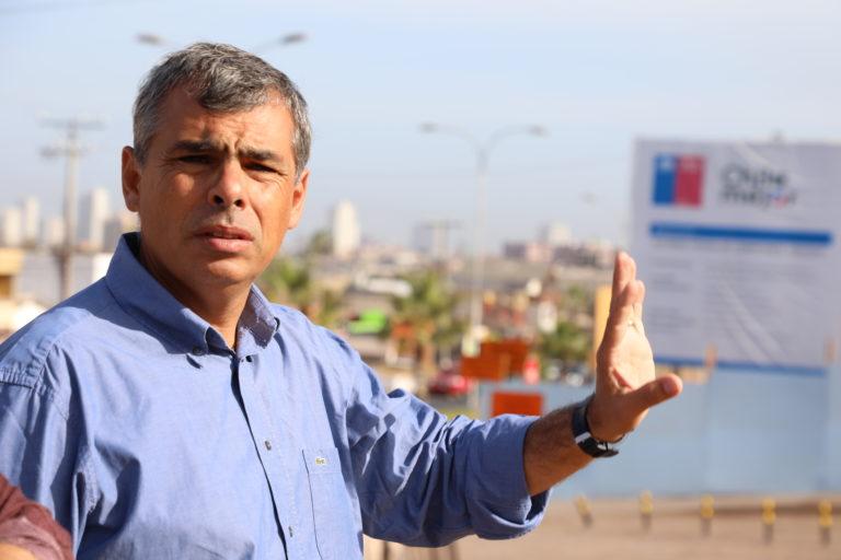 """Alcalde de Iquique por anuncio del Gobierno para enfrentar crisis migratoria en el norte: """"espero que no sea un titular como el de febrero"""""""